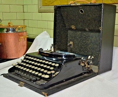 ANTIQUE REMINGTON STANDARD VISIBLE WRITER/TYPEWRITER, w/ Case Great Condition