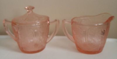 Jeannette Pink Glass creamer and sugar pink cherry blossom real deal