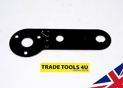 Single Socket Mounting Plate - Towing - MADE IN THE UK