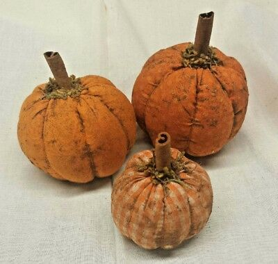 Primitive Pumpkins/Set of 3/Bowl fillers/Ornies/Grunged/Fall/Halloween