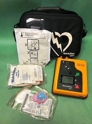 Welch Allyn AED 10 w/ Pads, Battery, Case and Accessories AED10