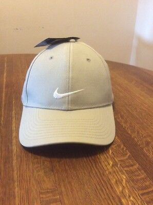 buy popular 65225 2527d Adult Unisex Nike Golf Hat New With Tags