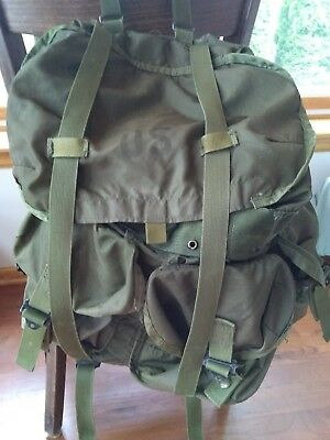 Vintage US Army Surplus Field Pack Military Combat Green Nylon Backpack