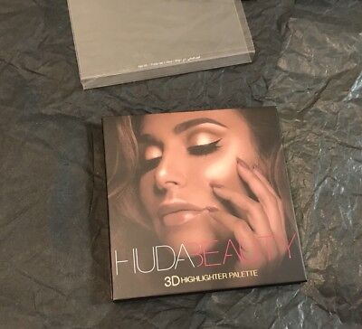 Sold Out!!! Huda Beauty 3D Highlighter Gold Sands Palette 💯authentic