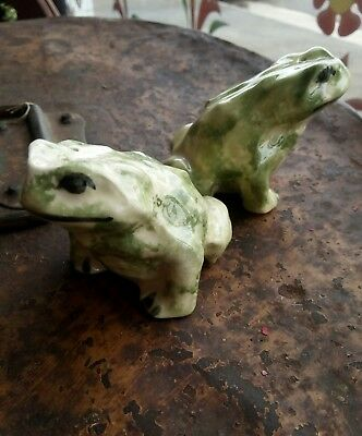 Vintage salt and pepper shakers Frogs