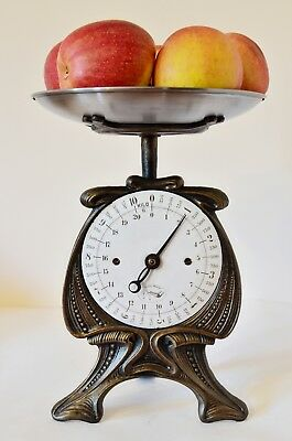 Old style, Antique, Shabby Chic, Vintage, Renovated Kitchen Scale