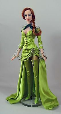 Sybarite Superdoll Sold Out MIB Resin Paris Exclusive Playeur + Free Shipping!