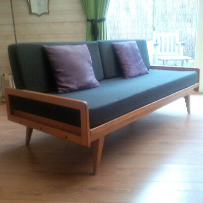 Tres Beau Canape Day Bed