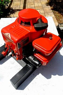 vintage briggs and stratton engine RUNS GOOD model  81902 built in 1960