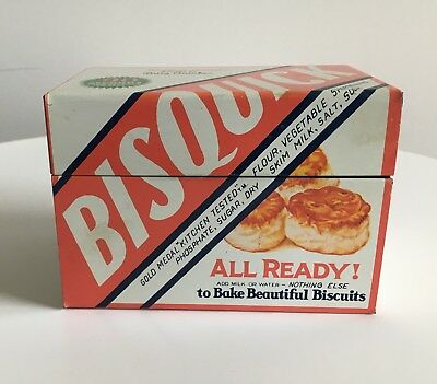 Vintage Recipe Box Bisquick Betty Crocker Tin w Original Recipes and Extras