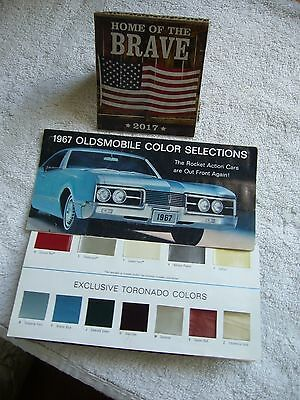 1967 Oldsmobile COLOR CHART  Brochure LOOK WITH COLOR CHIPS