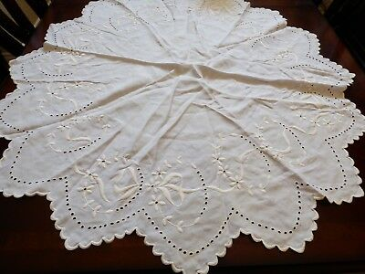 "Vintage White Linen Cotton hand made Embroidery Accent Tea Table Cloth 40"" round"