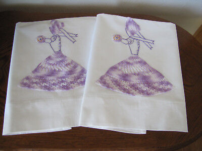 Vintage Pair Of Pillowcases Fancy Lavender Applique Crocheted Southern Belles
