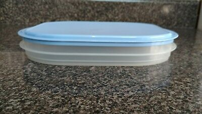 TUPPERWARE BLUE FRIDGE STACKABLES # 2576 container with lid, free shipping