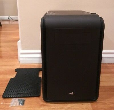 AeroCool MicroATX Cases DS-Cube Black (Local Pickup Only)