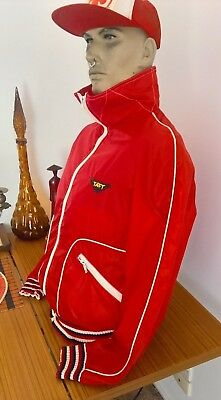 Vintage 1970's red TAFT outdoor Retro spray water resistant jacket Size S