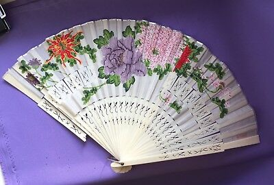 Vintage Lovely Chinese Fan  1950s,   Silk ,   Bone