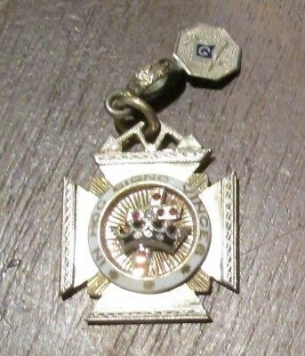 In Hoc Signo Vinces 14K Gold Knights Templar Medal Sold As Scrap