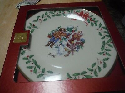 Lenox HOLIDAY ANNUAL CHRISTMAS PLATE 1996 Holiday Plate 6th in series