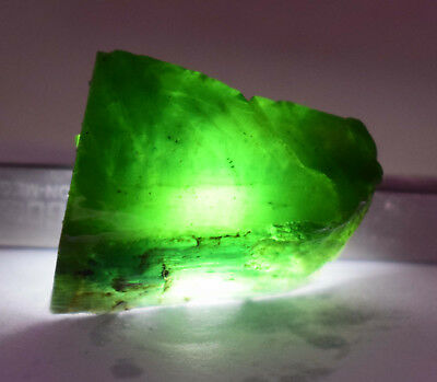 95 Ct Nice Natural Translucent Green Serpentine Earth Mined Slab Rough