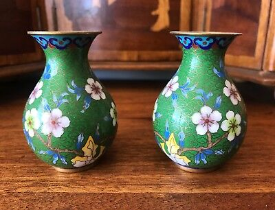 PAIR of VINTAGE CHINESE GREEN CLOISONNÉ VASES Small