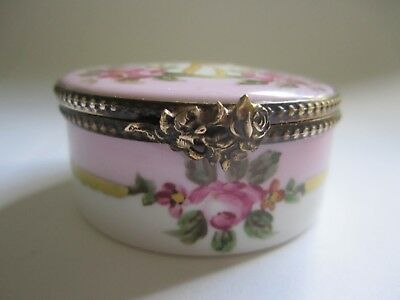 VINTAGE Signed and Numbered Peint Main LIMOGES FRANCE Hinged Trinket Box