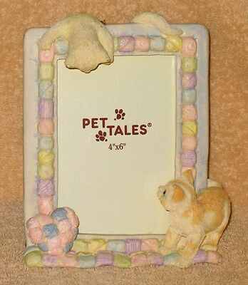 """1980s 'Pet Tales' Cat Kitty Caper 3-D Resin Tabletop Picture Frame 4"""" x 6"""""""