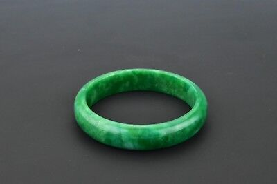 Chinese Late Qing Dynasty / Early Republic Green Jade Bangle Bracelet