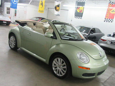 Volkswagen New Beetle Convertible  $8900 includes SHIPPING! 40,000 miles clean carfax immaculate Florida nonsmoker