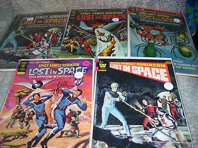 SPACE FAMILY ROBINSON Lost In Space 18 32 38 39 58 Silver Age Gold Key VG FN