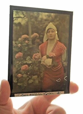 Autochrome Lumiere antique Photo plate 9x12 Woman flowers rose RARE plaque verre