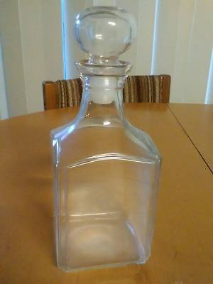 Glass Decanter  -  EXCELLENT USED CONDITION