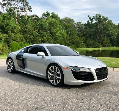 2011 Audi R8 Base Coupe 2-Door 2011 Audi R8 V10 Coupe 6-Speed MANUAL.  Carbon Ceramics / Capristo / Warranty