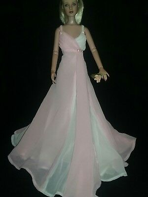 Robert Tonner Female Outfit *no Doll* Beautiful Chiffon Ball Gown