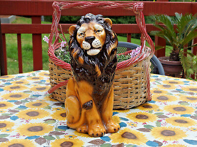 """VINTAGE Handpainted in Italy 12.5"""" tall Porcelain/Ceramic LION figurine, Pre-own"""