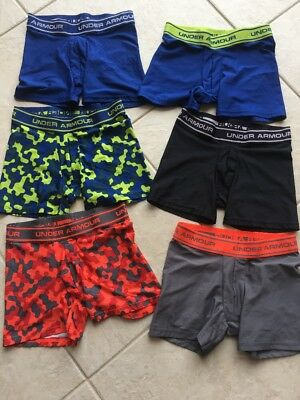 Boys Under Armour youth medium Underwear