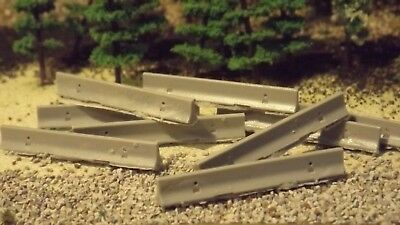 """N Scale 1:160 /"""" Jersey Barrier /"""" Set of 10 Precast Concrete Temporary Barriers"""