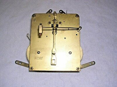CLOCK  PARTS , CLOCK MOVEMENT  .  GWO  l