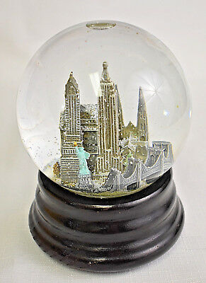 Saks Fifth Avenue Musical Snow Globe New York City (Vintage, Great Condition)