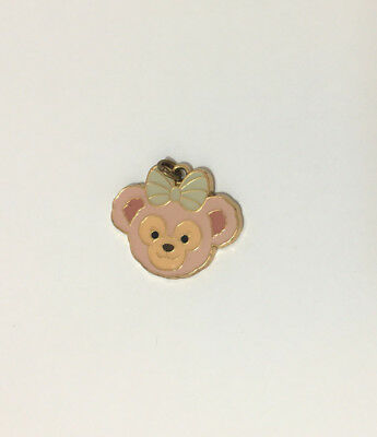 Hong Kong Disneyland HKDL Shellie May Bear iron pendant breloque Disney rare