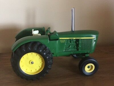 John Deere 5020 With Long Decal Stripe An Stack 1/16