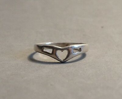 Vintage Sterling Silver Heart Ring Band Cute Gift for Love Size 8 Marked 925
