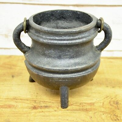 Antique Small 3 Footed Cast Iron Bean Pot Kettle Cauldron With Handle