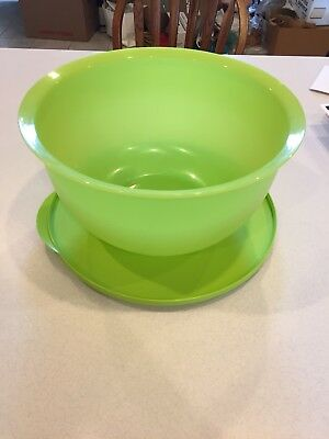 New Tupperware Impressions Classic Bowl Jumbo 32 Cup Size Color Lime Green