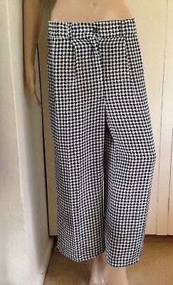 Vintage Ladies Small-Medium Black White Houndstooth Culottes Retro Pants Cropped
