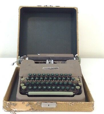 Antique 1965 Sears Tower Commander Portable Typewriter