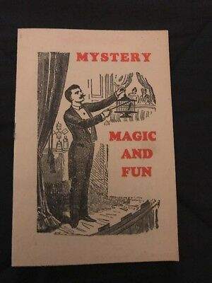 MAGIC 16 Page MYSTERY MAGIC AND FUN Book from Warwick Press