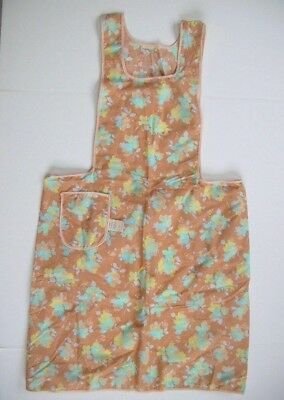 NWT Unused vintage bib apron w tag floral pattern w pocket