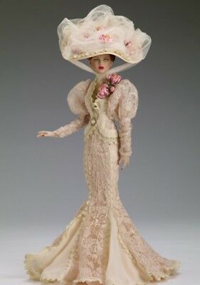 Lady Catherine Antoinette doll Age of Innocence  Tonner Convention outfit only.