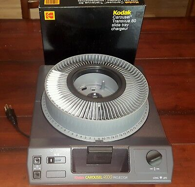 Kodak Carousel 4600 Slide Projector w/ tray and Tiffen protective carrying case